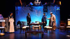 Tiyatro gösterimlerinde iki farklı oyun