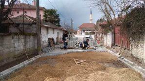 Karaaptiler Mahallesinde yol düzenleme çalışmaları