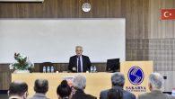 """SAÜ'de  """"Gençlik ve Siyaset"""" konulu bir konferans düzenlendi"""