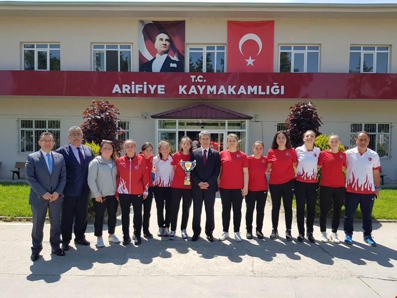 Dünya Şampiyonu Öğrencileri Arifiye'de Misafir Ettik.