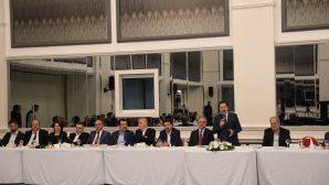 Prof. Dr. Muzaffer Elmas İçin Veda Yemeği Düzenlendi