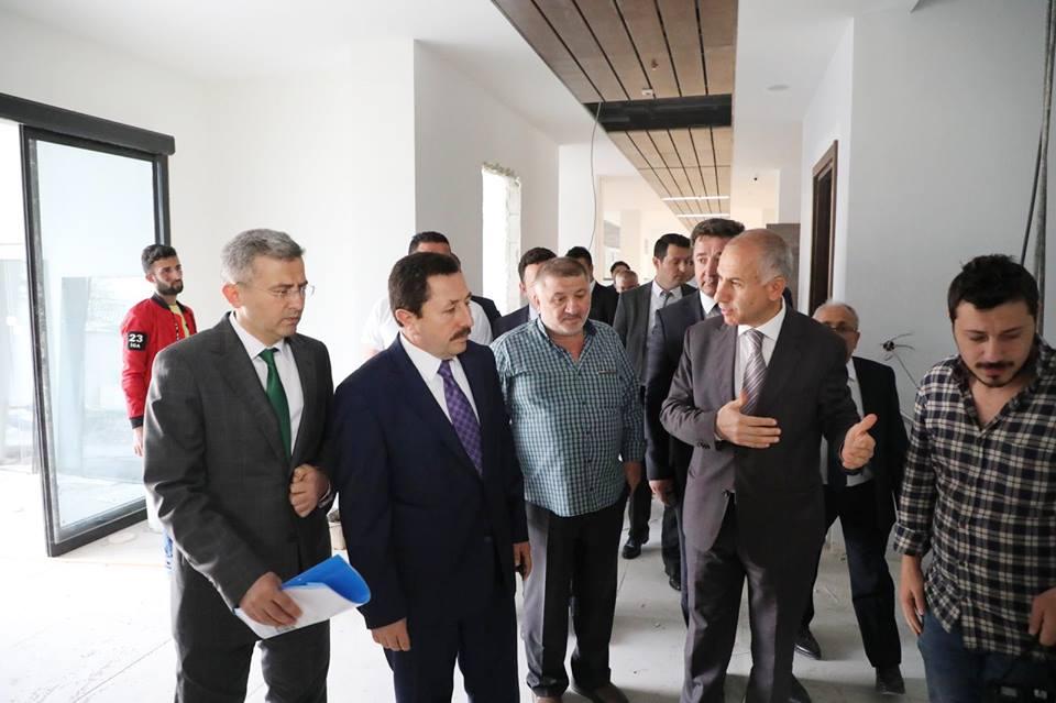 Vali Balkanlıoğlu İş-Kur binasını inceledi