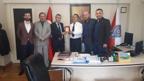 MHP Arifiye İlçeden Polisimize Plaket takdimi