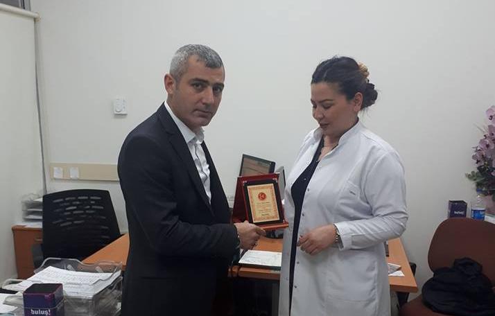 MHP Arifiye İlçe Ebeler Haftasını unutmadı