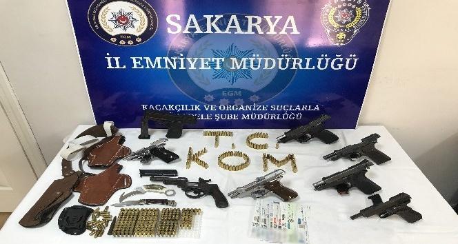 Suç örgütüne operasyonda 19 gözaltı