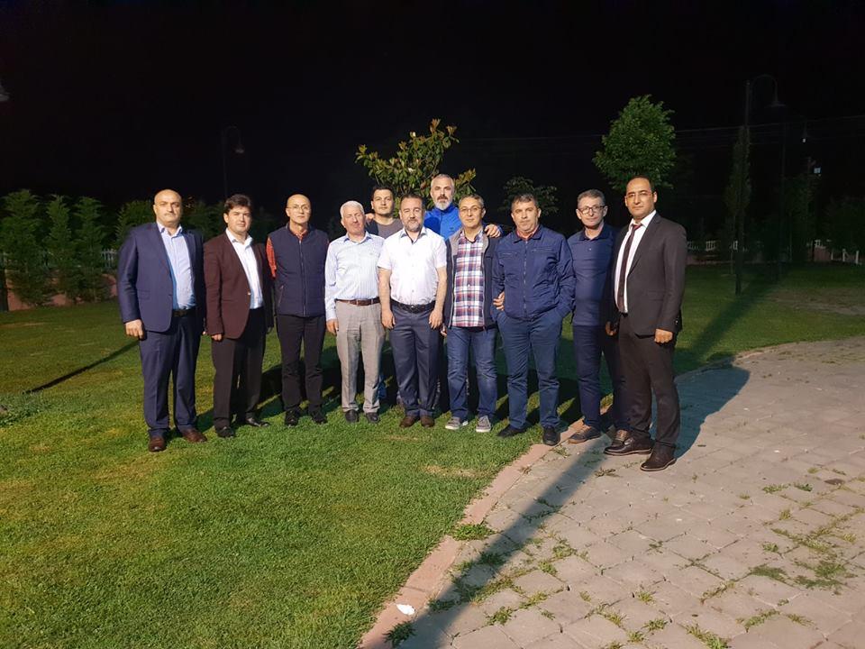 Arifiyeli bir grup öğretmenden iftar