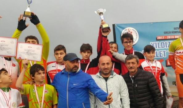 Arifiye Kazım Karabekir Yıldızlar Bisiklet'te Türkiye 3.sü oldu