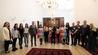 Vali Balkanlıoğlu Farklı Kesimlerden Ziyaretçileri Kabul Etti