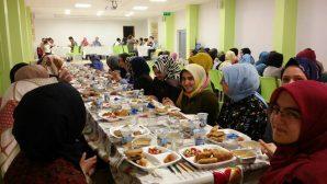 Arifiye Prof.Dr. Osman Öztürk İHO'dan mezunlara iftar