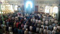 Arifiye'liler Bayram Namazında Camileri doldurdu