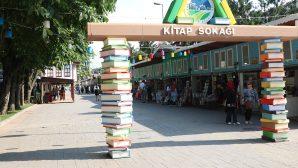 Ramazan'da kitabın adresi 'Kitap Sokağı' oldu