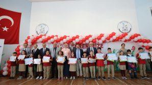 Sakarya'da 186 bin öğrenci karnelerini aldı