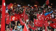 Binlerce Kişi Demokrasi Meydanı'nda buluştu.