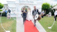 Kazakistan'lı Gelinimize Davullu Zurnalı Köy Düğünü