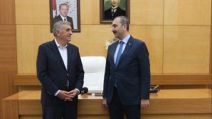 Adalet Bakanı Gül,Büyükşehirde