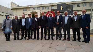 Arifiye Mahalle Muhtarlarımız Vali Balkanlıoğlu'nu ziyaret ettiler