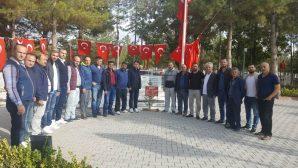 ARSİADER Üyeleri Şehid Ömer Halis Demir'in kabrini ziyaret etti