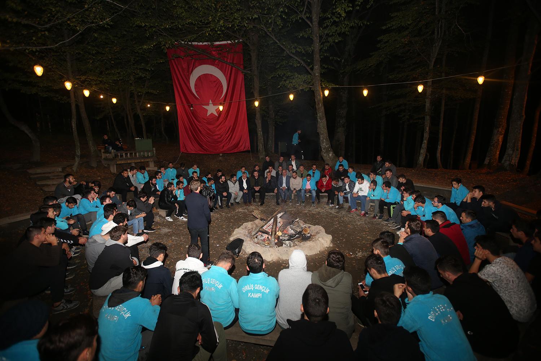 """""""Türkiye'nin geleceğini gençler belirleyecek"""""""