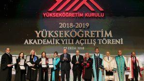 SAÜ'lü Öğretim Üyesi Eskiler'e Üstün Başarı Ödülü