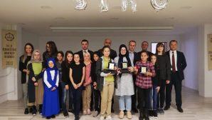 Arifiye Osman Öztürk İHO'da İngilizce  Şarkı Yarışması