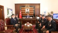 Vali Ahmet Hamdi Nayir, hayırlı olsun ziyaretine gelenleri kabul etti.