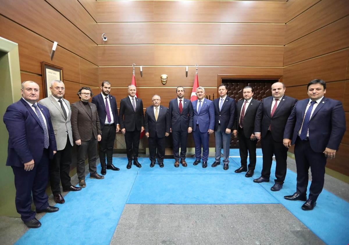 SATSO Yönetiminden Yeni Vali Nayir'e ziyaret