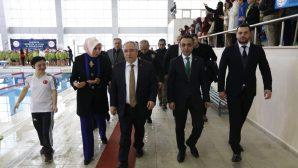 """""""YÜZME BİLMEYEN KALMASIN PROJESİ"""" DÖNEM KAPANIŞ PROGRAMI DÜZENLENDİ"""