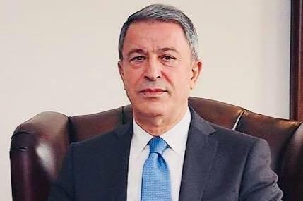 Bakanı Akar, işçilerle görüşmek için Arifiye'ye geldi.