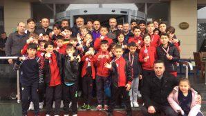 Arifiye Atılganspor şampiyon olarak dönüyor.