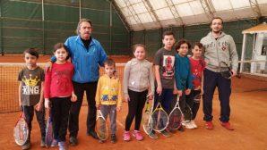 Arifiye HEM'de Kort Tenisi Kursları Devam Ediyor!