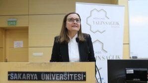 """""""Kadının İş Hayatındaki Yeri"""" konulu konferans düzenlendi."""