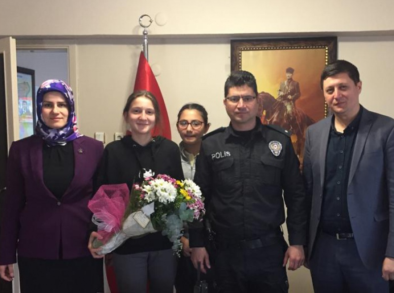 Ege Kimya Ortaokulundan Polis Haftası ziyareti