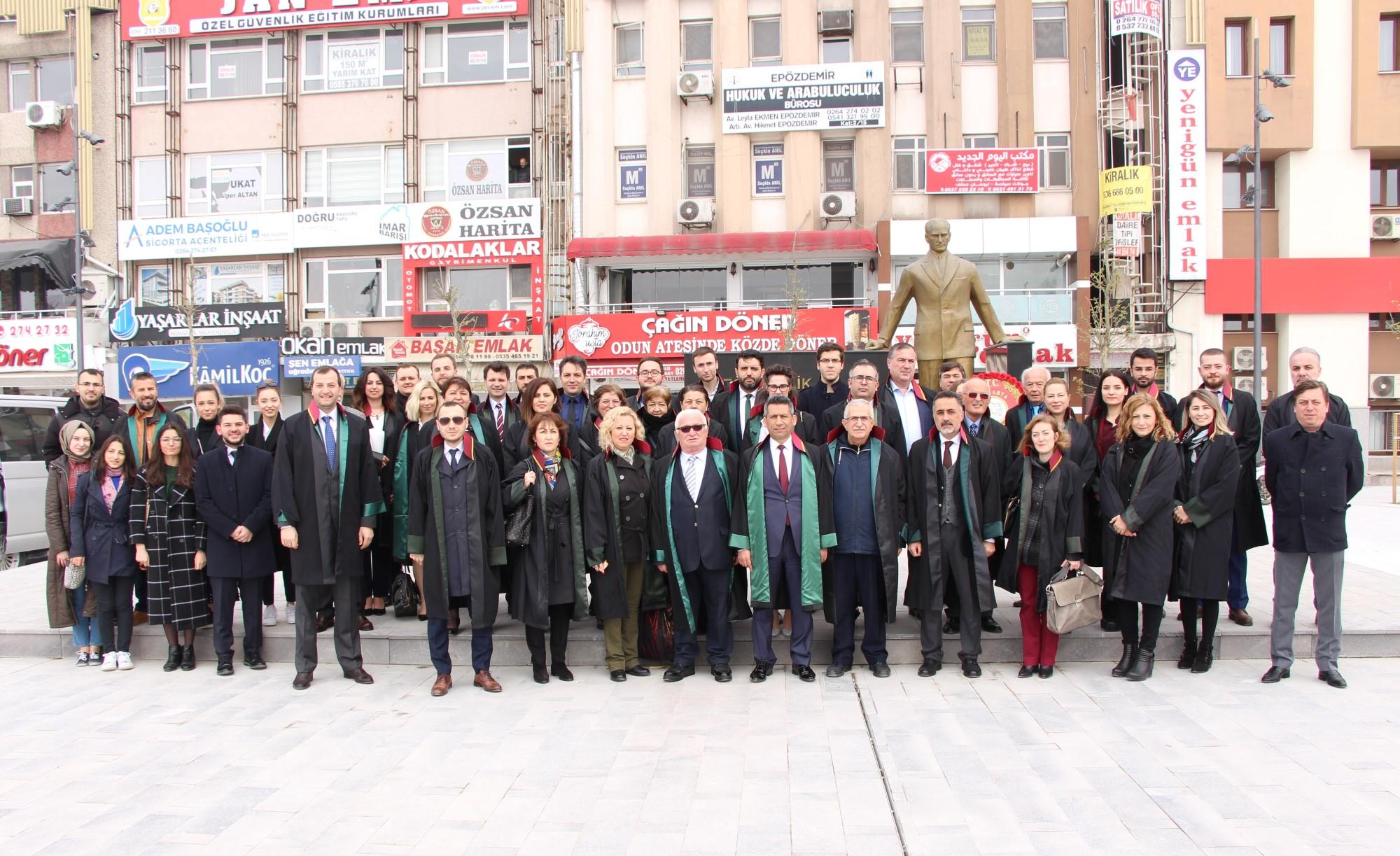 Sakarya Barosu Avukatlar Günü'nü kutladı