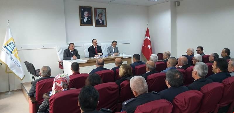 İlçemiz Kamu Kurum ve Kuruluşları ile Muhtarlar Toplantısı Yapıldı.