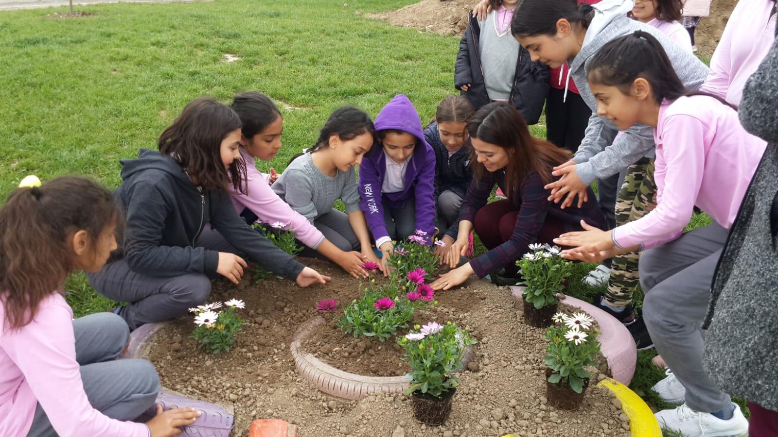 Hacıköy Okullarına bahar geldi.