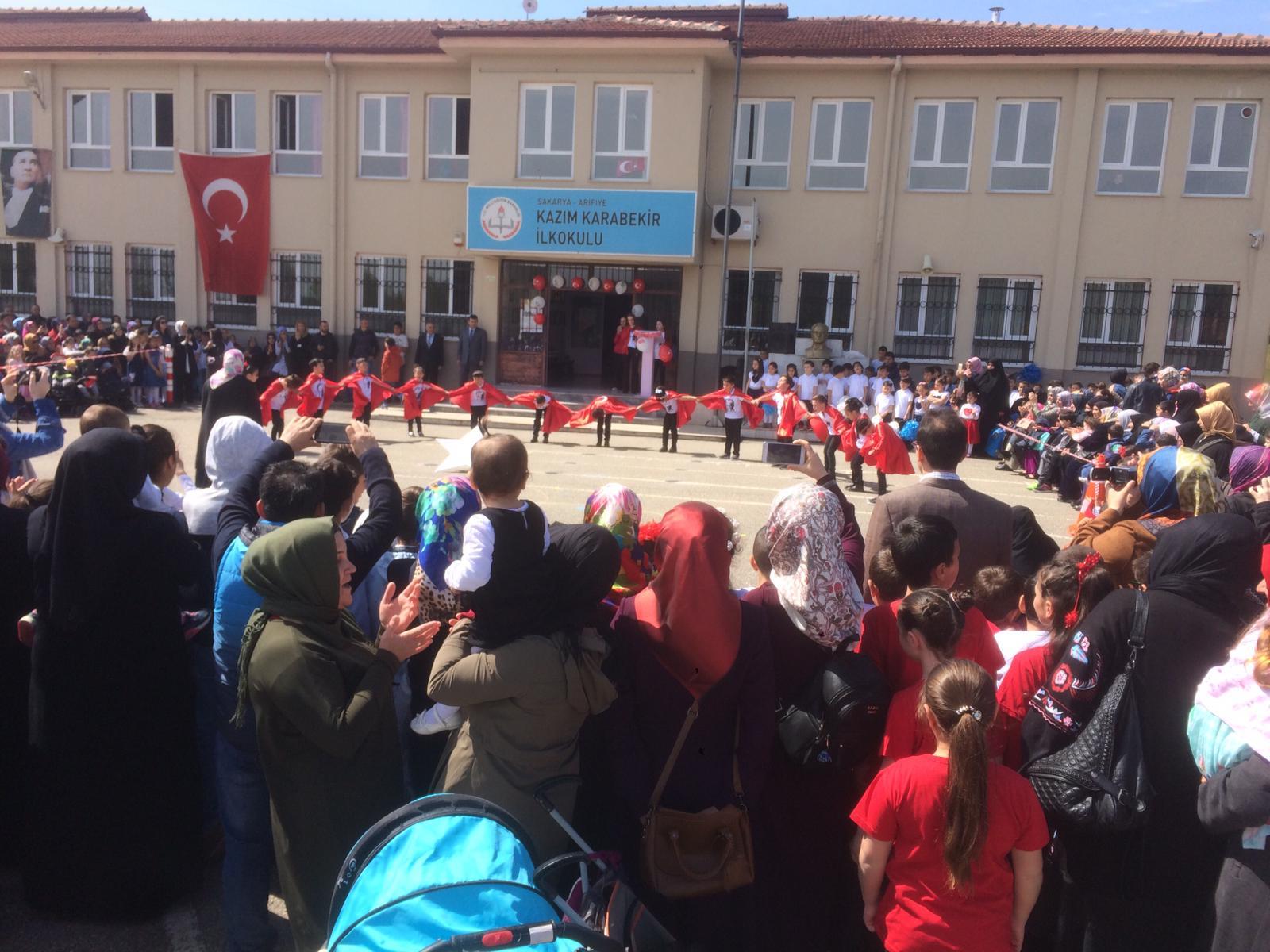 Arifiye Kazım Karabekir'de  23 Nisan coşkusu