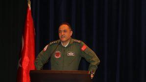 """SAÜ'de """"Havacılık Zirvesi'19""""  isimli bir etkinlik düzenlendi."""