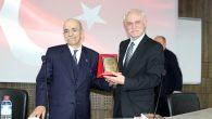 """""""100 Yıl Önce Türkiye'de Siyaset"""" isimli bir konferans düzenlendi."""