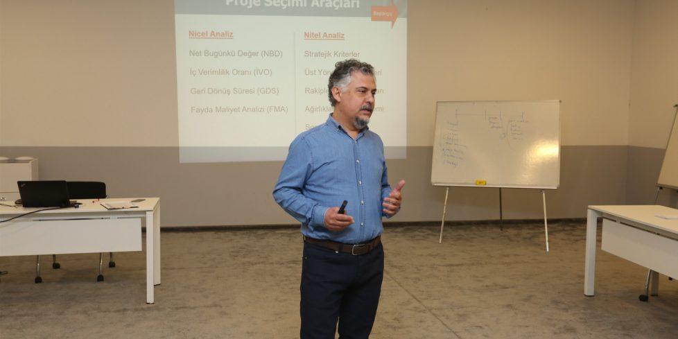 'Proje Yönetimi Eğitimi'  gerçekleştirildi.