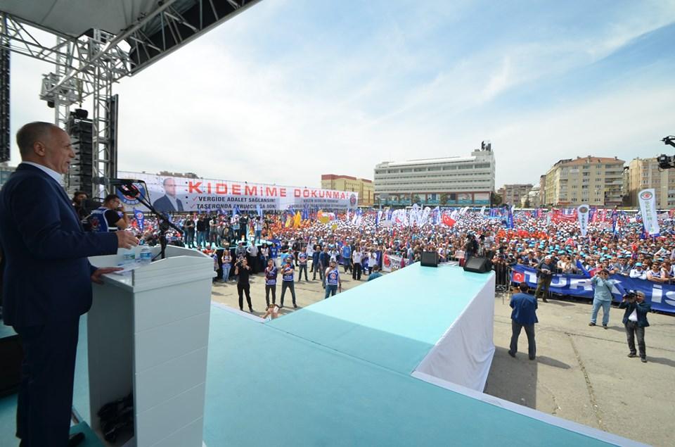 TÜRK-İŞ 1 MAYIS'I KOCAELİ'NDE COŞKUYLA KUTLADI