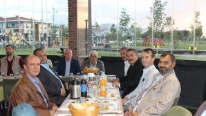 Belediye Meclis Üyeleri ve Muhtarlar birlikte iftar açtı