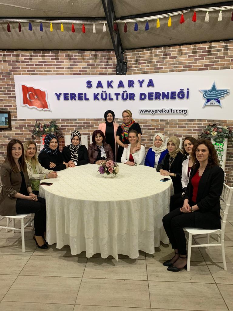 SYKD Kadın Kolları Sağlıklı Beslenme Semineri düzenledi.