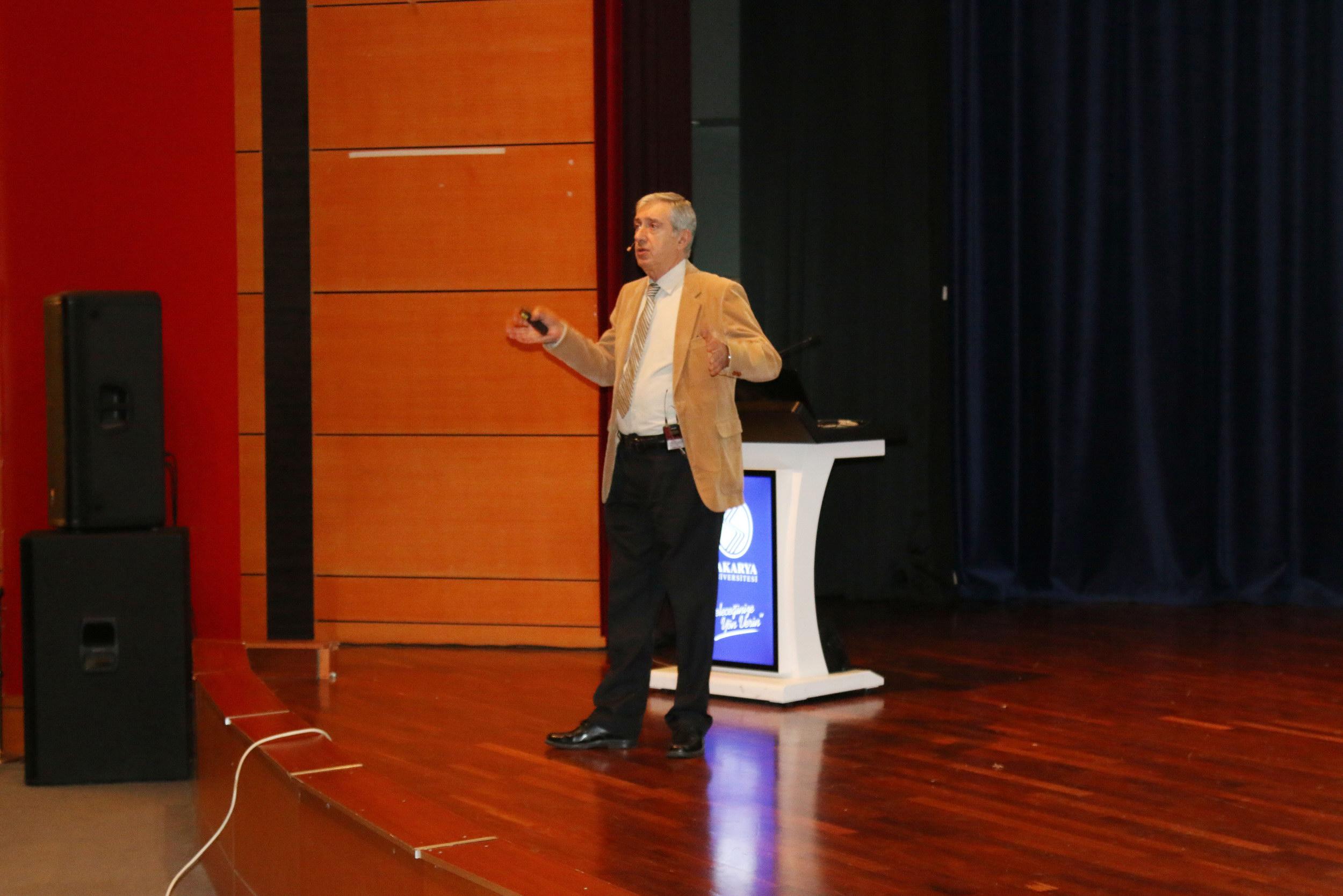 """""""Türkiye'nin Depremselliği ve Deprem Güvenli Yaşam"""" konulu konferans düzenlendi."""