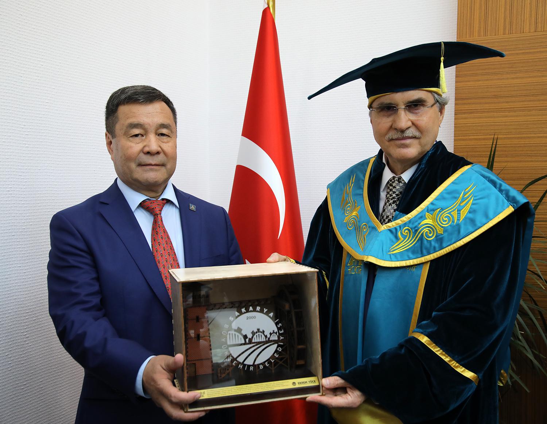 Türk Dünyası temsilcileri Sakarya'da