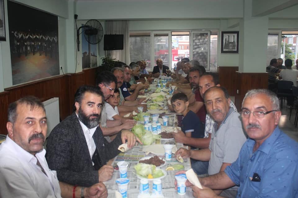 Arifiye Erzurumlular Derneği hemşerileri ile buluştu