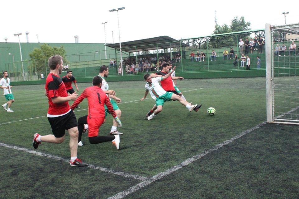 İlçe Futbol Turnuvası Cuma günü oynanan maçlarla devam etti.