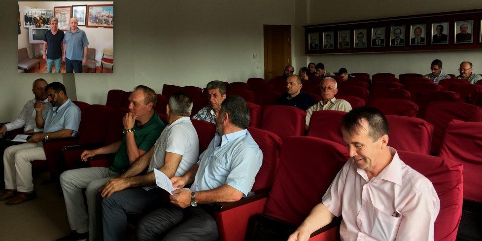 CHP Arifiye'den Belediye Meclis Toplantıları hakkında açıklama