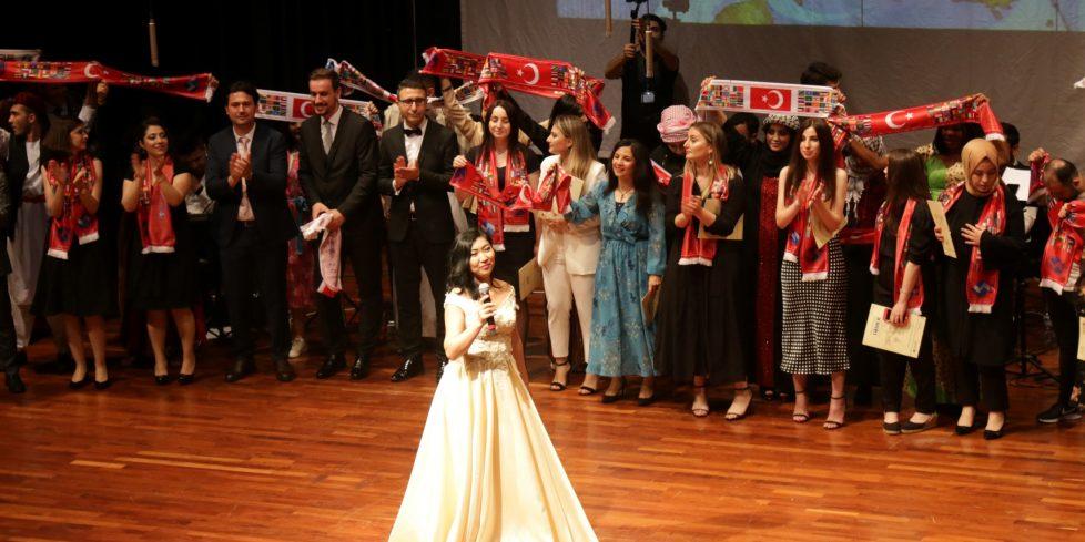 Uluslararası Öğrencilerden Türkçe Şöleni
