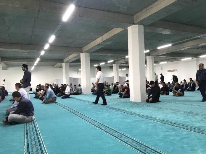 Şeyh Edebali Cami'nin bir kısmı ibadete açıldı.