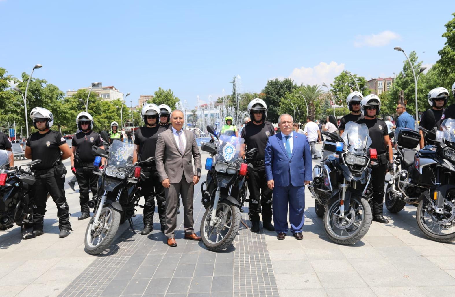 Yunus Ekiplerine Yeni Motosikletleri Törenle Teslim Edildi